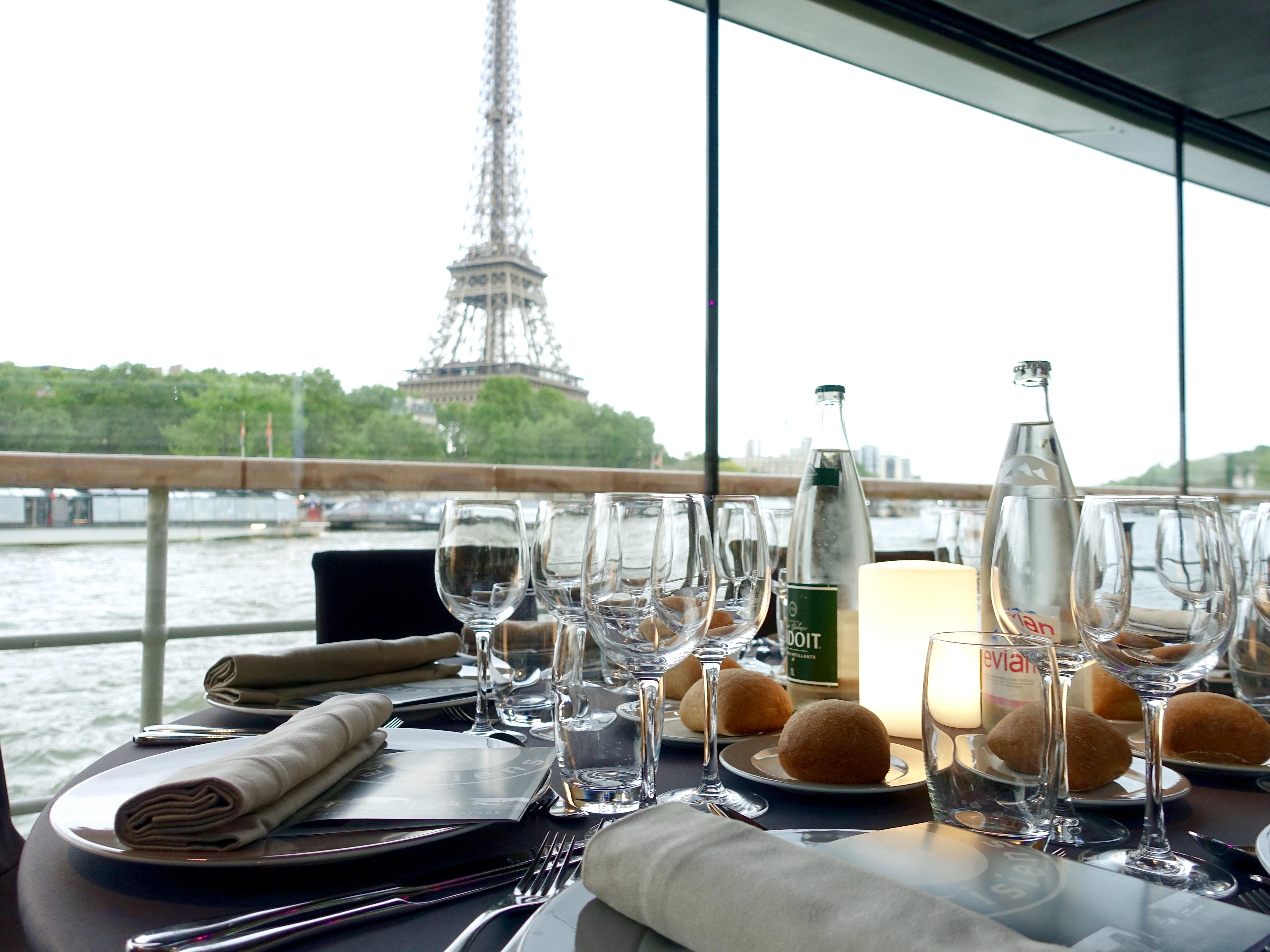 Dinner auf einem Boot