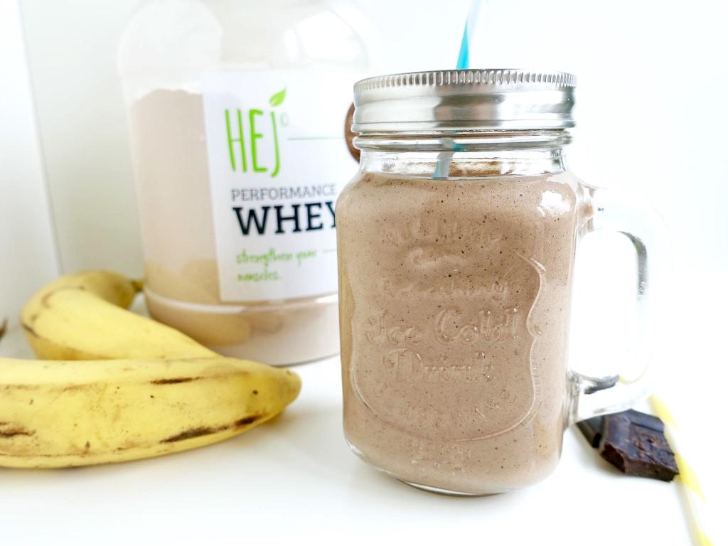 Schoko Bananen Shake mit Proteinpulver